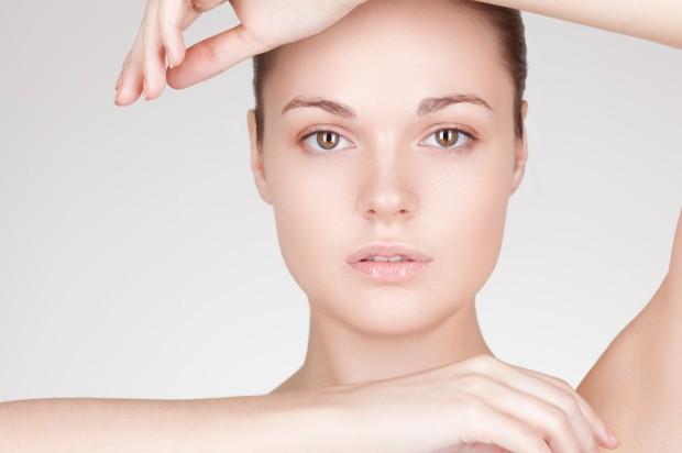Beautiful-Woman-W-No-Makeup